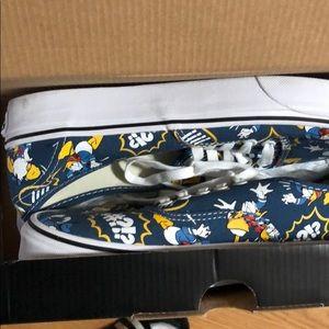 Daffy Duck Disney vans